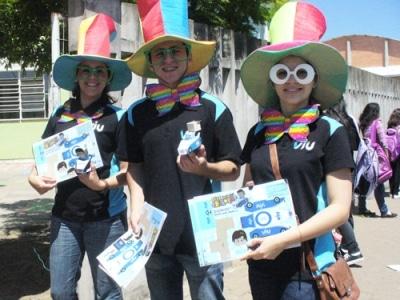 Equipe de promoção da Viu visita escolas